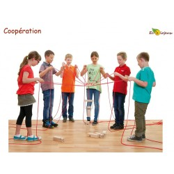 team tower jeu groupe coopératif extérieur