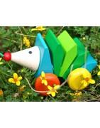 Bascule et jouets écologiques à pousser